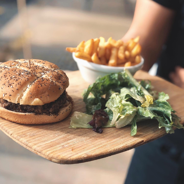 Burger Les Artistes